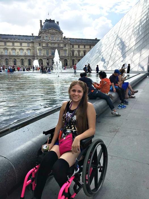"""Yari Cruz cumple su sueño de conocer Paris en un viaje inolvidable gracias a """"¡Qué Noche!"""""""