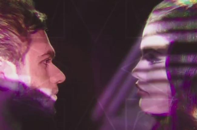 Selena Gomez y Zedd en el video musical I want you to know.
