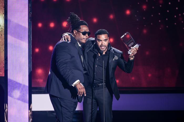 Zion & Lennox reciben Premio Billboard 2016