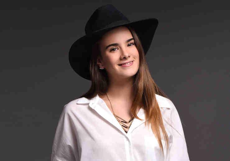 Gala Montes, Luz Marina Casillas, sonriente, El Señor de los Cielos 4