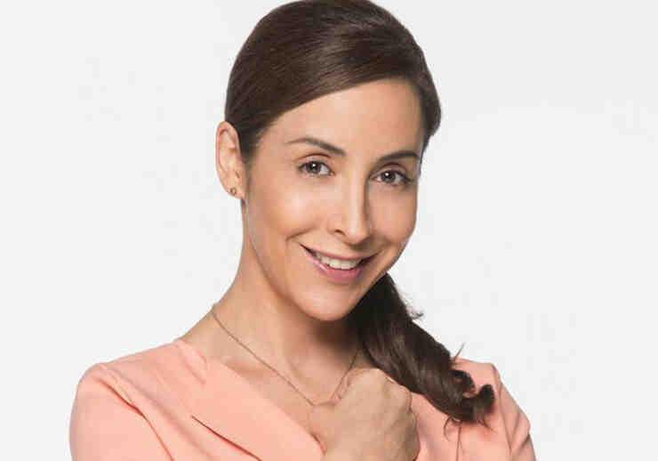 Adriana Lavat como Soledad Flores en Tierra de Reyes