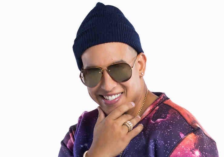Daddy Yankee en foto como coach de la cuarta temporada de La Voz Kids