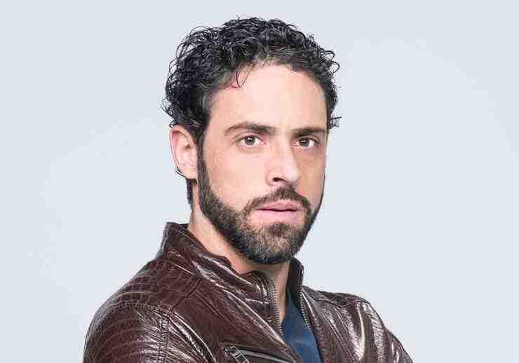Alberto Agnesi como Marcelo Dóriga