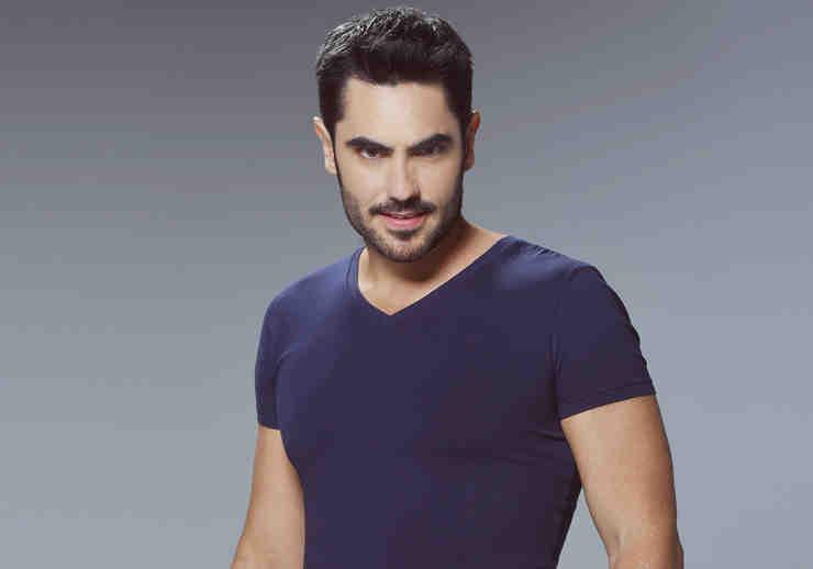 Lincoln Palomeque, Manuel Caicedo, camisa azul, Señora Acero 2