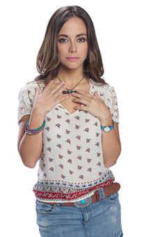 Maria Elisa Camargo - Adriana Aguilar