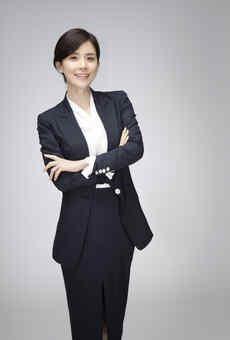 Lee Bo Young.jpg