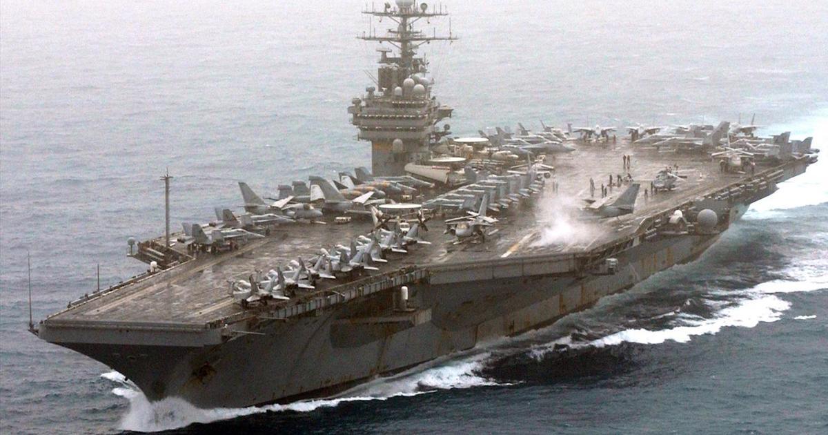 Un portaaviones nuclear pide ayuda por la pandemia mientras crece la tensión con Rusia por maniobras militares