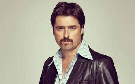 Jorge Zabaleta es Conrado San Miguel en la serie Dueños del Paraíso