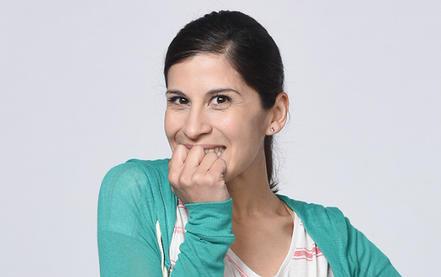 Ximena Ayala como Juana García en Bajo El Mismo Cielo