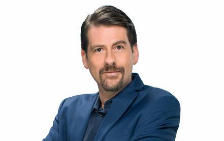 Eduardo Videgaray en su foto oficial de Ya era Hora