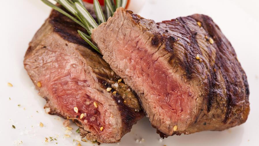 La carne roja aumenta el riesgo de sufrir diverticulitis