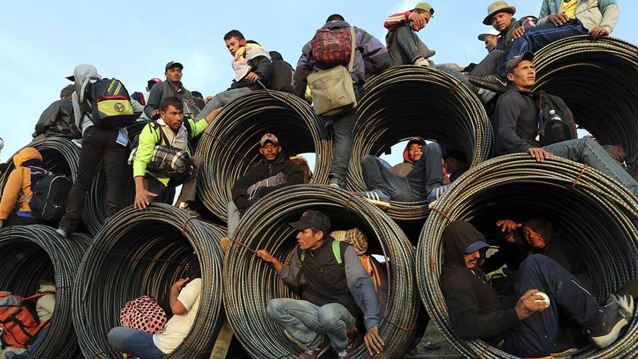 Los migrantes centroamericanos de la caravana llegan a Guadalajara, Jalisco, en México.