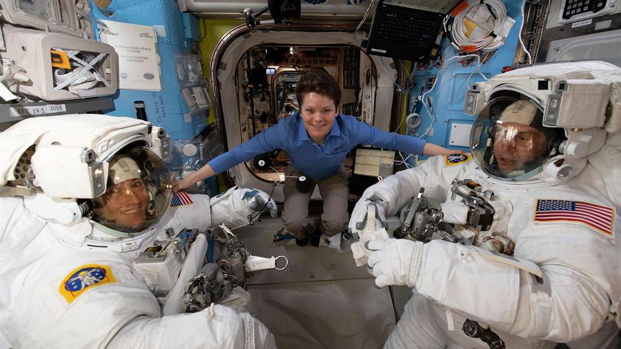 Astronautas de NASA en la Estación Espacial Internacional
