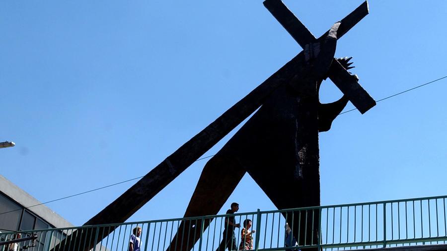 Una cruz en la Semana Santa de México en una imagen de archivo