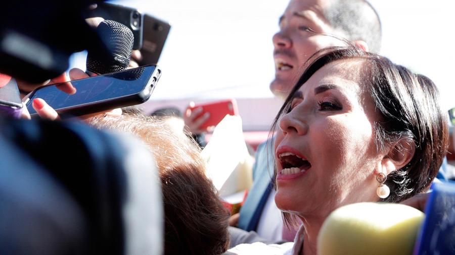 Rosario Robles, ex titular de Sedesol y Sedatu, a su llegada a los juzgados del Reclusorio Sur, para presentarse a la audiencia por las acusaciones por el supuesto desvío de recursos durante su administración