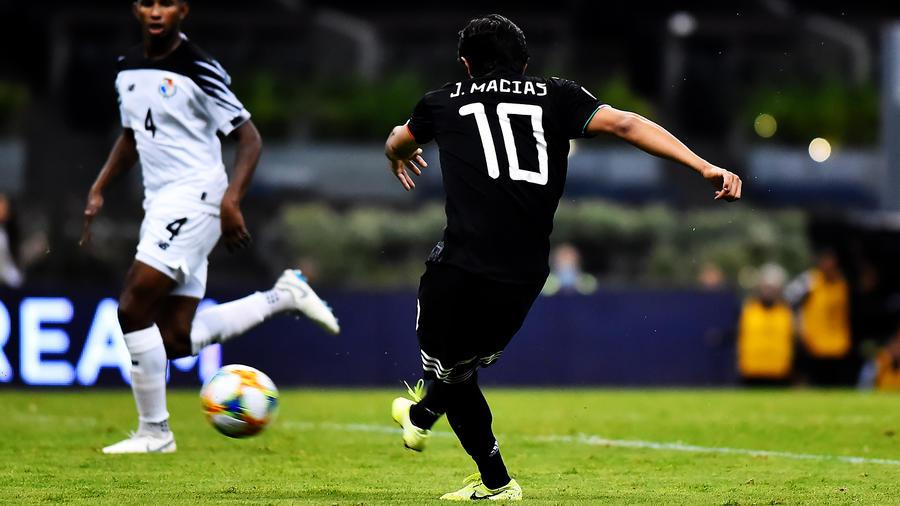 José Juan Macías en la Selección de México