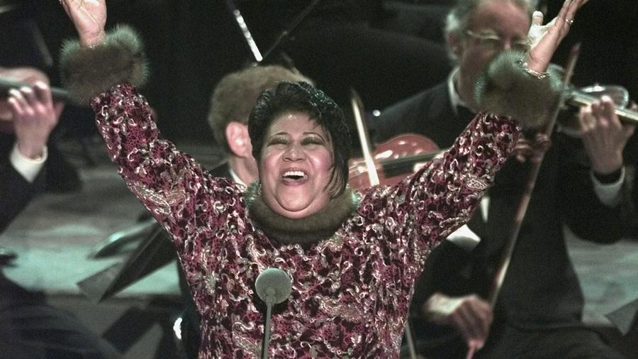 Aretha Franklin durante la entrega número 40 de los Premios Grammy en 1998.