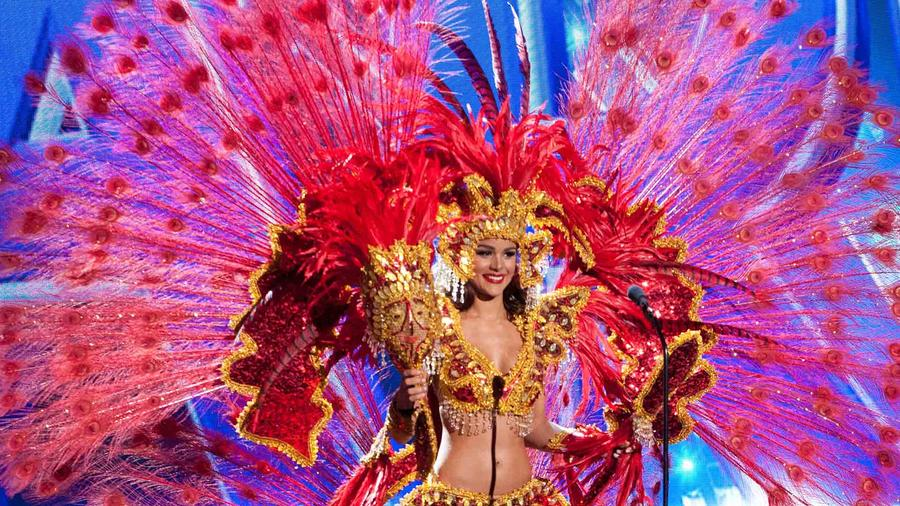 Clarissa Molina, Miss República Dominicana 2015, traje típico