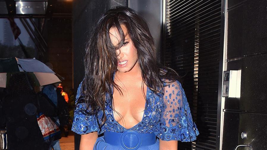 Demi Lovato con el cabello despeinado
