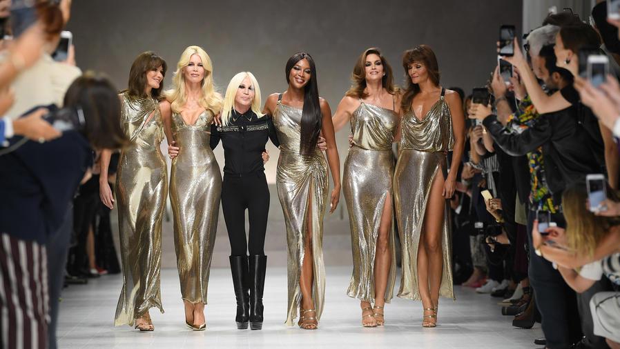 Donatella Versace y ex supermodelos