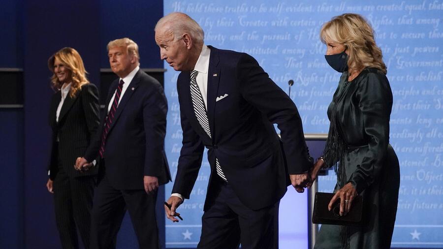 respectivamente, luego del primer debate presidencial en Cleveland, Ohio.
