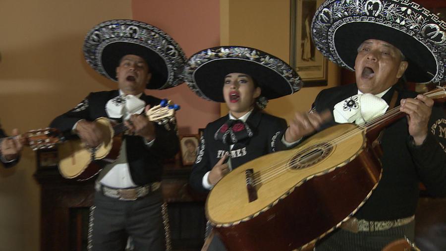 Una academia infantil de mariachis se acerca a las raíces mexicanas