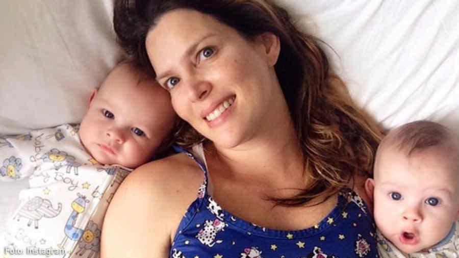 maritza rodriguez con gemelos en la cama