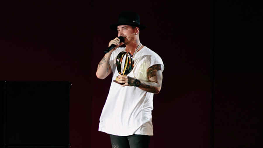 J Balvin en Heat Latin Music Awards 2015