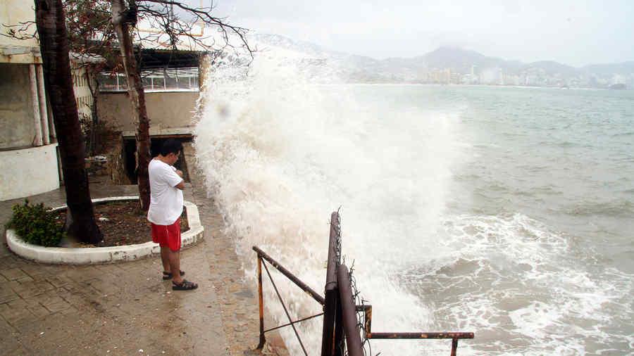 huracan carlos en mexico