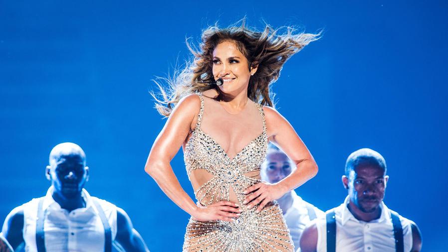 Jennifer Lopez en concierto en Paris, Francia durante el 2012