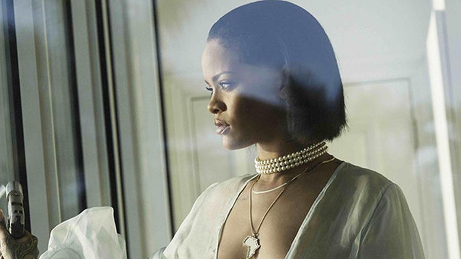 Foto promocional del video de Rihanna 'Needed Me'