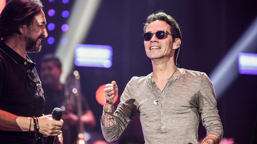 Marc Anthony y Marco Antonio Solís en los ensayos de Premios Billboard 2016