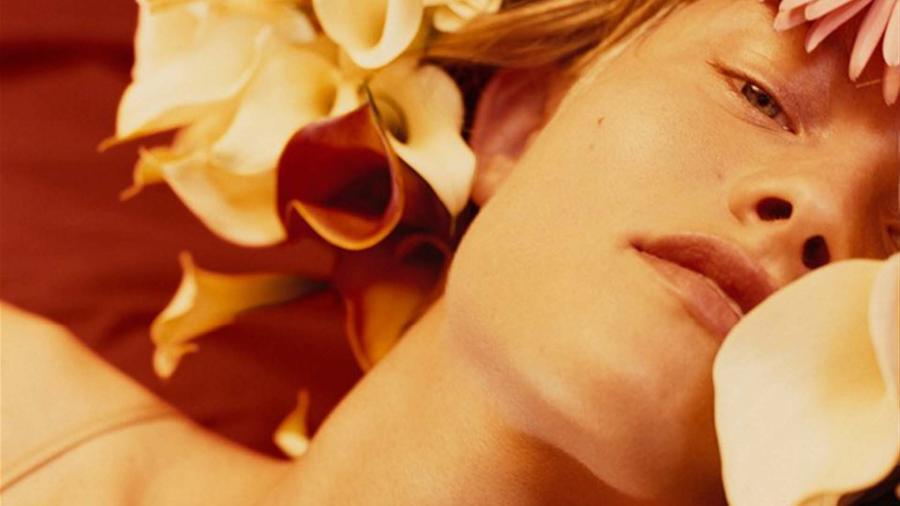 Klara Kristin posando para la campaña 'Erótica' de Calvin Klein