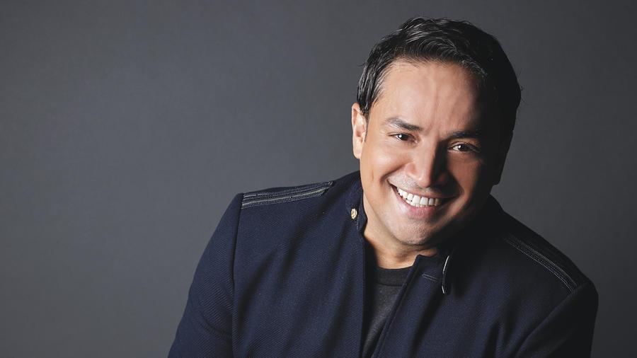 Foto promocional de Manny Manuel