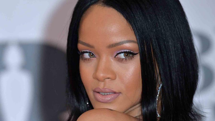 Bebe bailando canción de Rihanna es una sensación