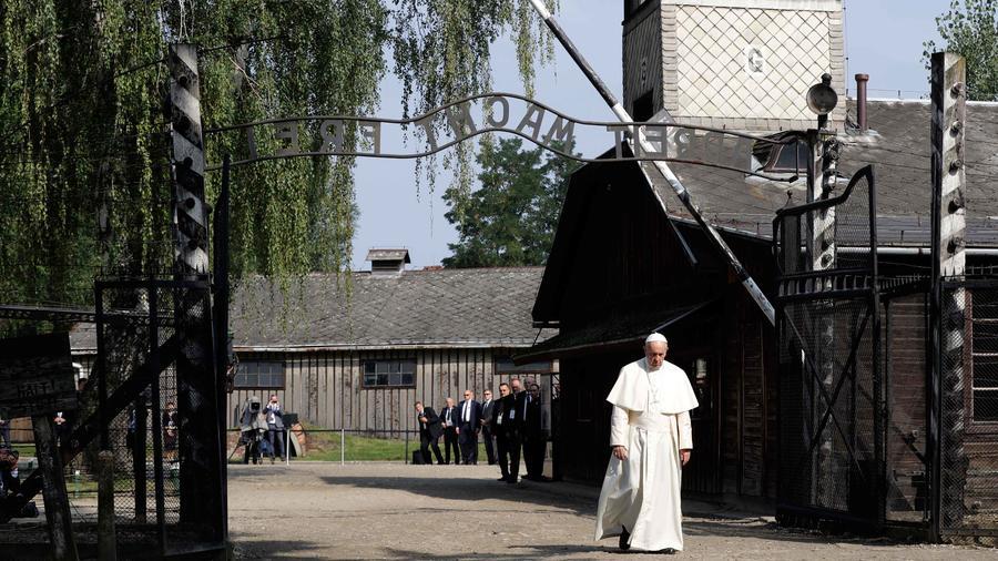 papa en polonia campo exterminio