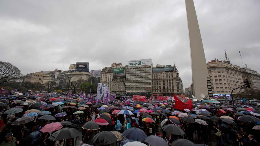 manifestacion multitudinaria en argentina