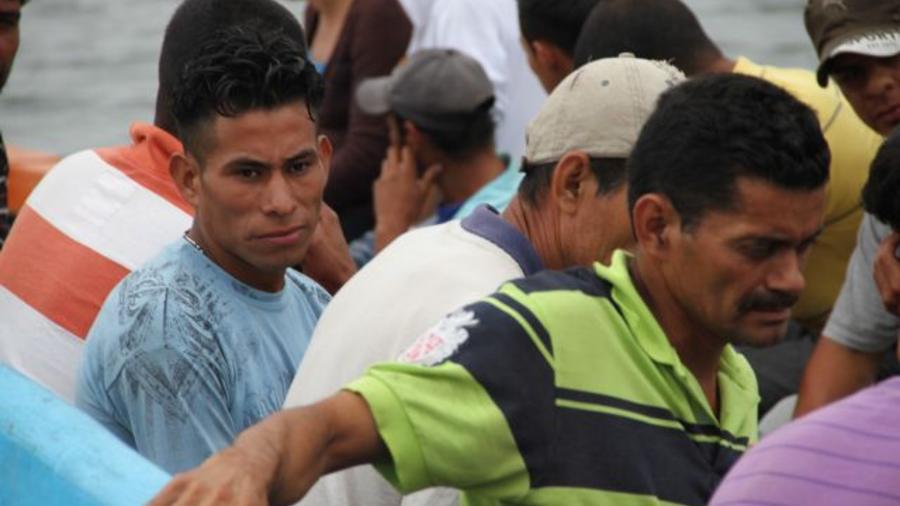 rescatan a mexicanos en camion