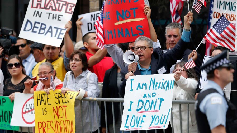 hispanos contra trump