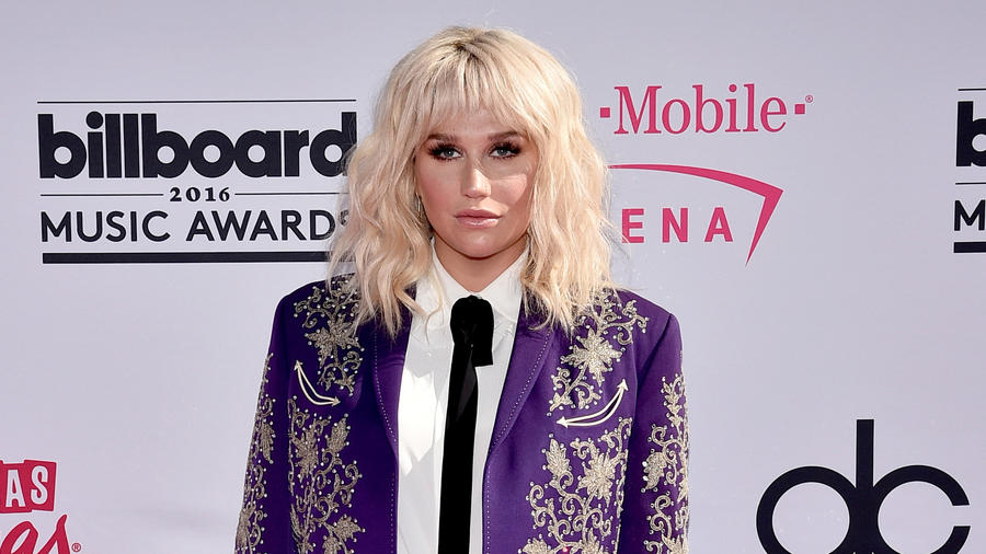 Kesha en la alfombra de los Billboard Music Awards 2016