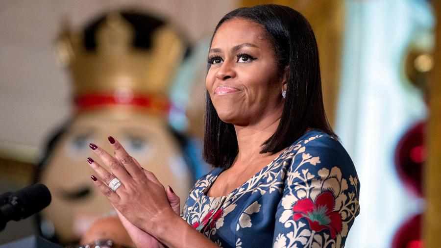 Michelle Obama durante la fiesta navideña para lasfamilias de militares en la Casa Blanca el 29 de Noviembre del 2016