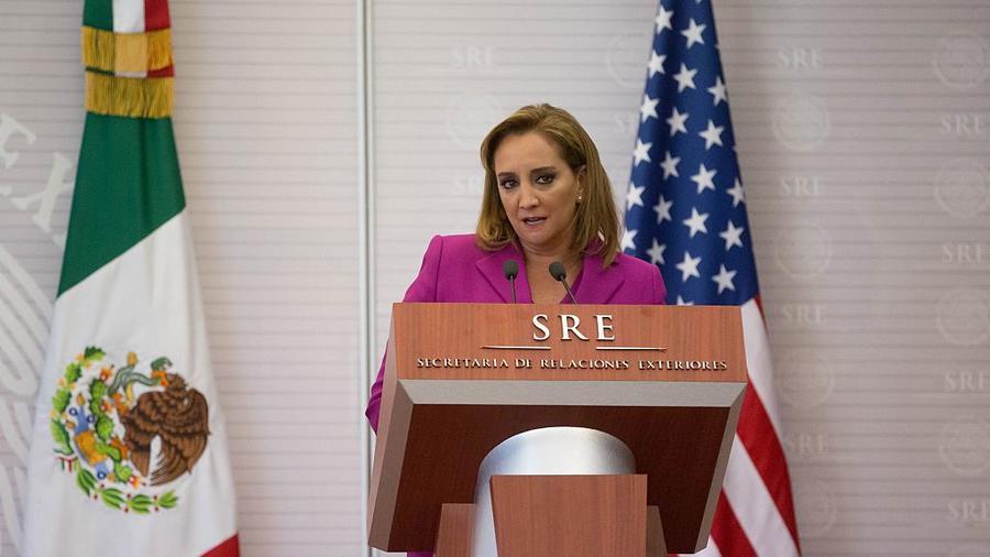 la secretaria de Relaciones Exteriores, Claudia Ruiz Massieu,