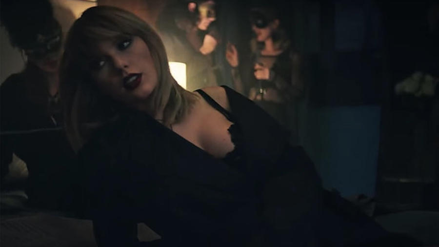 Taylor Swift en el video I don't want to live forever