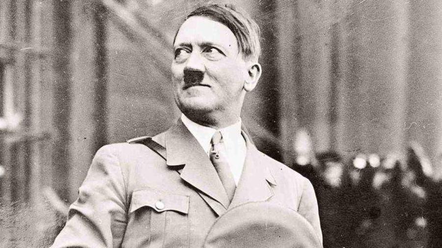 Adolph Hitler con su uniforme del ejército de Alemania