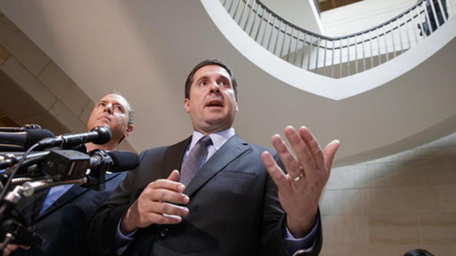 Devin Nunes (derecha) y Adam Schiff comparecen ante la prensa este miércoles sobre el caso de las escuchas