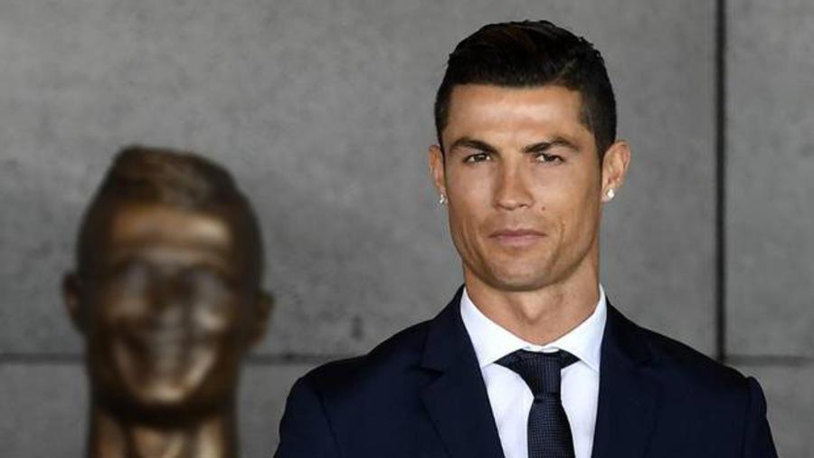 Cristiano Ronaldo y su busto nuevo