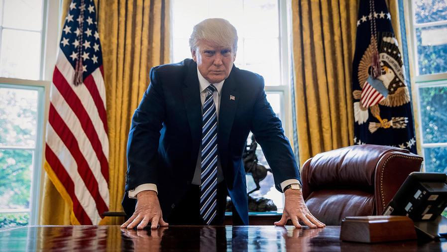 El presidente Donald Trump en la Oficina Oval en la Casa Blanca en Washington, el 21 de abril del 2017. (AP Photo/