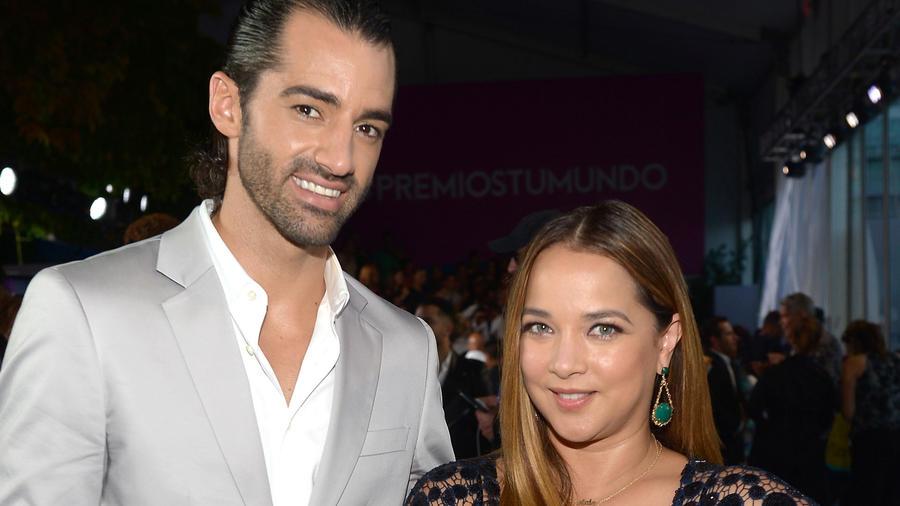 Adamari López y Toni Costa en Premios Tu Mundo 2015