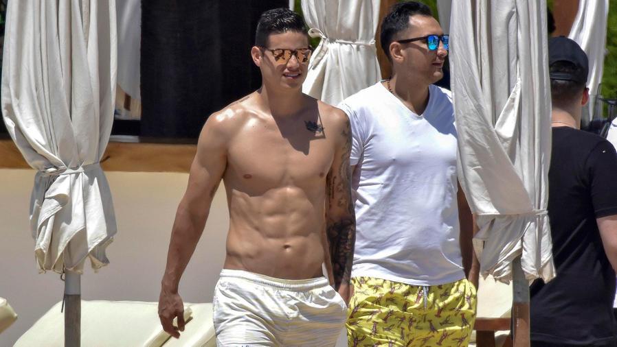 James Rodriguez en Ibiza