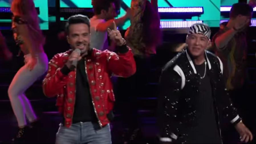 Luis Fonsi y Daddy Yankee en The Voice